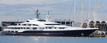 El Attessa-IV atracado en la Marina Real