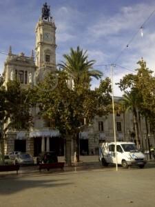 La plaza del Ayuntamiento ya está ambientada para la Navidad/vlcciudad