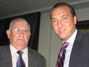 Vicente Ballester, sobrino de José Ballester, con el presidente del Levante U.D. Quico Catalán, en un acto en el Ateneo Marítimo hace tres años/eos
