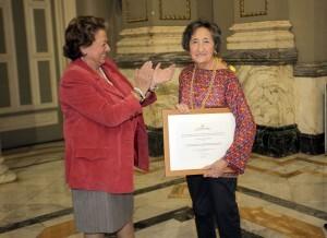 La alcaldesa con la periodista Mara Calabuig/ayto vlc-pepe sapena