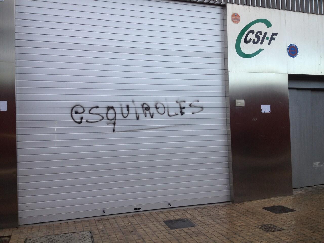 Pintada contra el CSIF por no secundar la huelga en su central sita en Ruzafa/csif