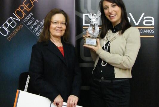 Dolores Cortés, a la izquierda, preside la Asociación de Diseñadores/vlcciudad