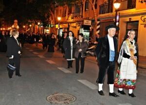 La procesión se desarrolló con organización y respeto entre el público asistente/r.montesinos