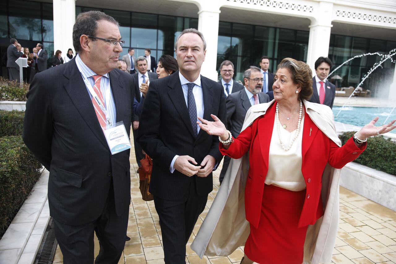 El presidente de la confederación de hoteles, el presidente de la Generalitat y la alcaldesa Barberá/ayto vlc