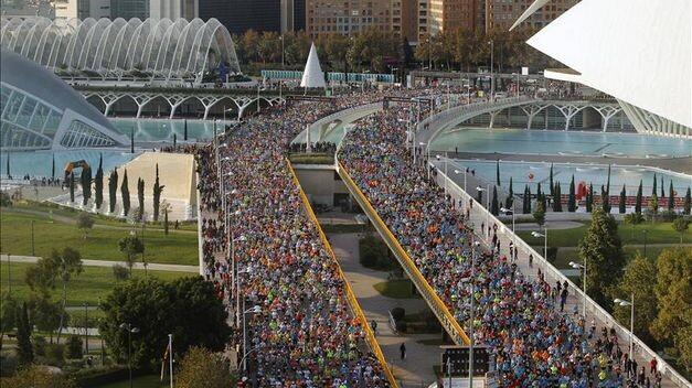 keniano-Isaiah-Kosgei-Maraton-Valencia_TINIMA20111127_0290_5