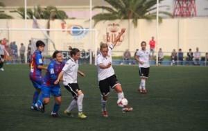 Los dos equipos jugaron un buen encuentro pero al final las granotas se llevaron el derbi jugado en Nazaret/vlcfemenino