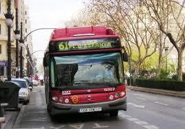 Un autobús de la línea 61
