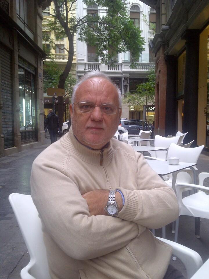 El investigador Rafael Solaz en la calle San Fernando a pocos metros de la calle San Vicente/vlcciudad