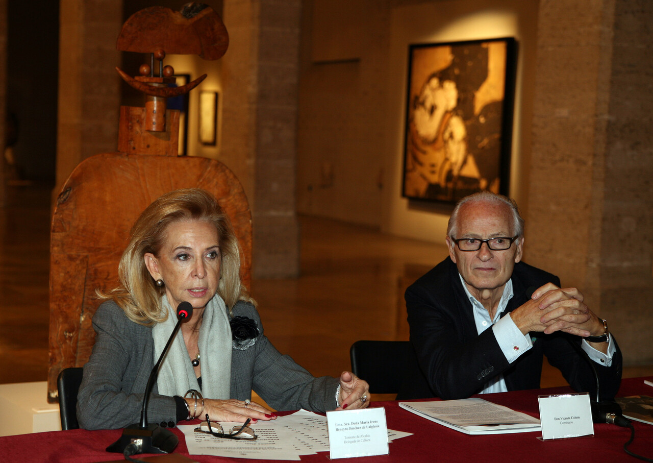 La concejala de Cultura, Mayrén Beneyto, y el comisario, Vicente Colom/ayto vlc