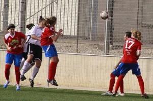 Las chicas del Valencia logran un meritorio triunfo que las acerca a la Copa de la Reina/ miguel maestro