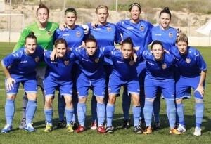 El VCF femenino en una foto del equipo antes de empezar un encuentro/vcffemenino