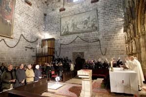 El arzobispo oficia la misa a los cofrades de la Santa Cena/alberto saiz-avan