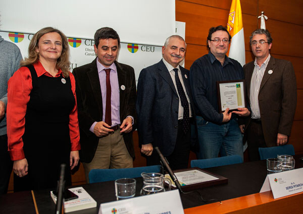 Premios Oimed 2012. Javier Furió y Paco Varea recogiendo el premio