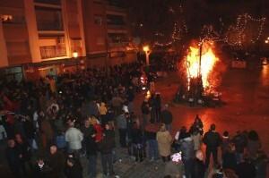 Un aspecto de la plaza de Patraix en la Nochevieja de 2012/aavv patraix