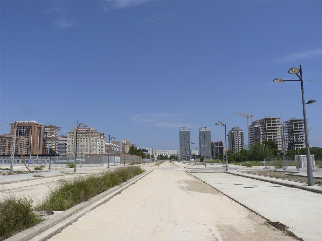 Zona del PAI de Quatre Carreres utilizado como aparcamiento por el Valencia Basket