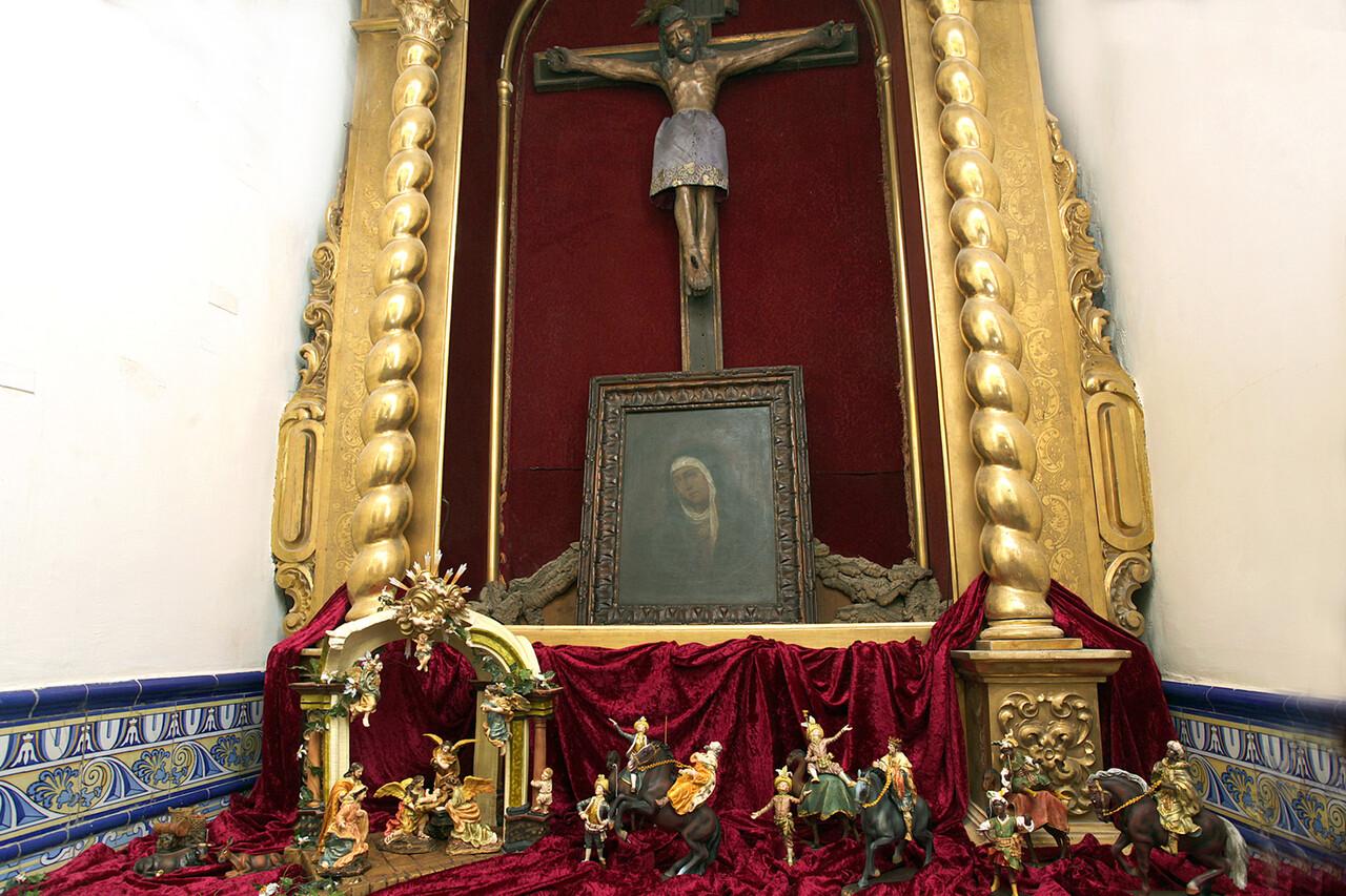 El belén que se ha instalado en el interior de la Ermita de Santa Lucia/javier peiró