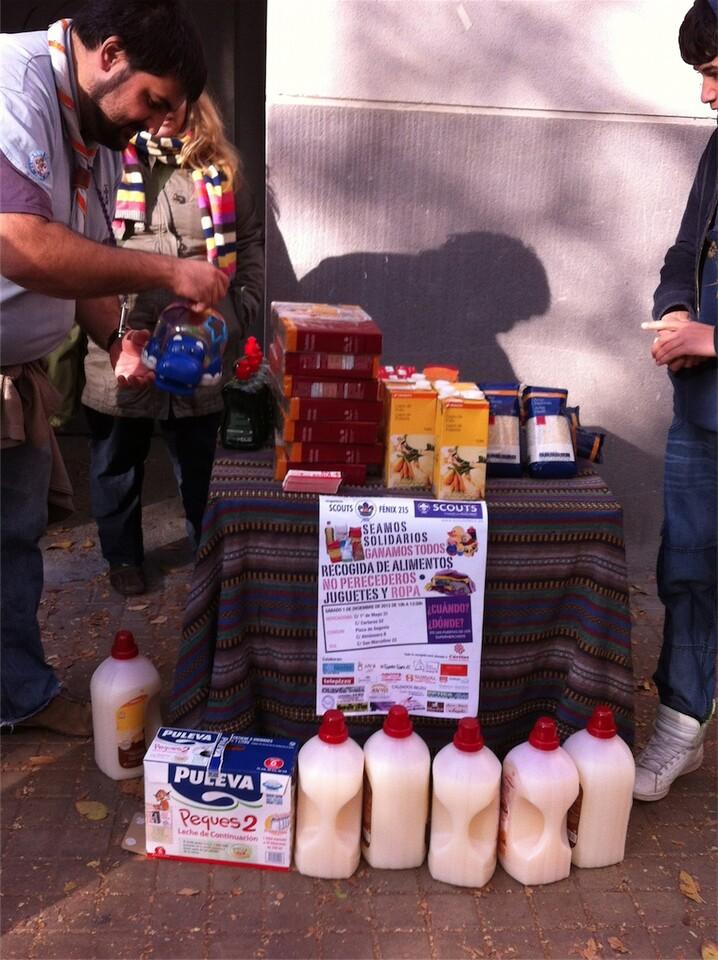 Alimentos recogidos en la campaña hecha hace unos días/scout