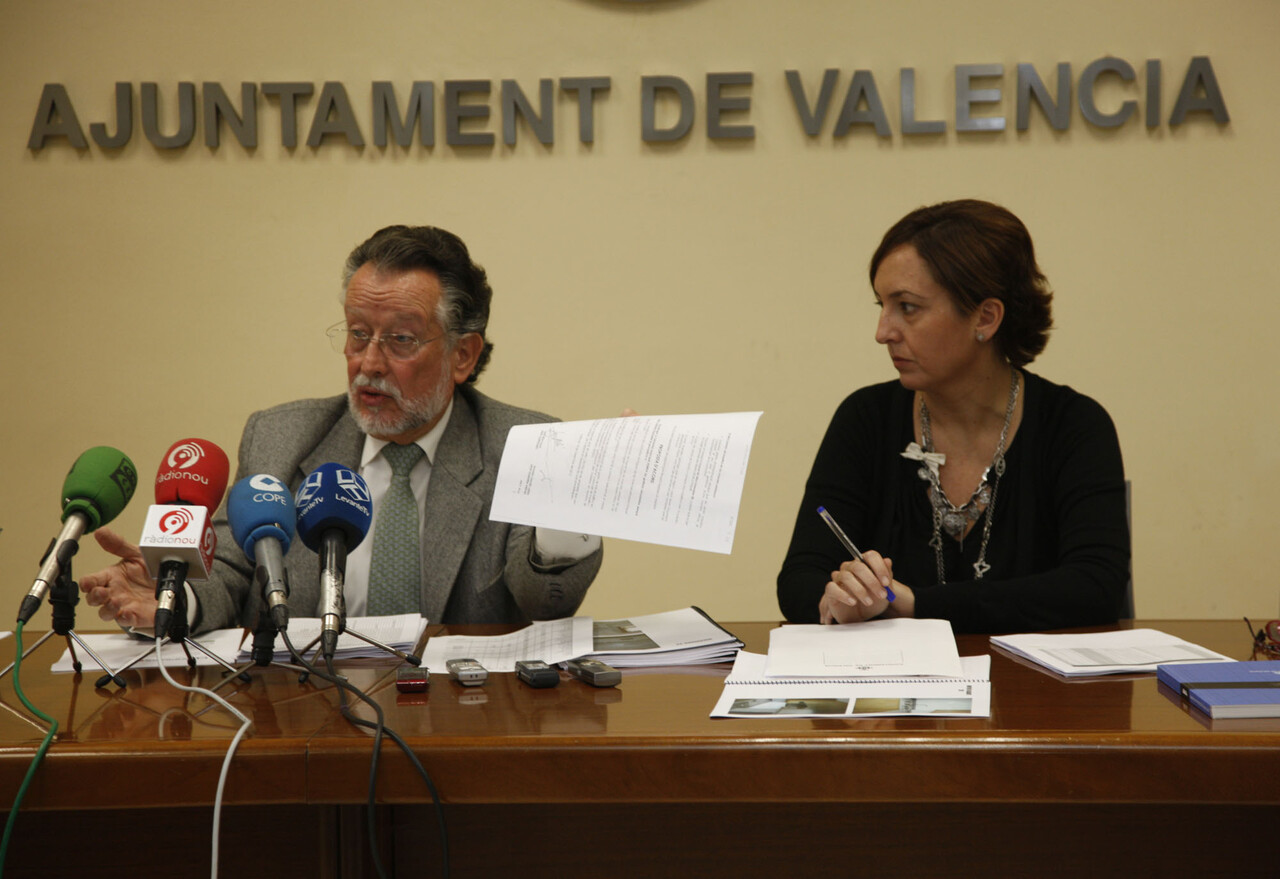 El vicealcalde Alfonso Grau con la gerente de Aumsa María José Bellver/ayto vlc