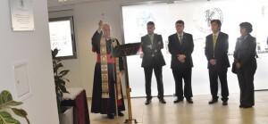 El arzobispo bendice las clinicas de la Universidad Católica/avan