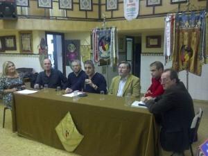 Los participantes en la charla que moderó el periodista de Radio Nou, Alejandro García./vlcciudad
