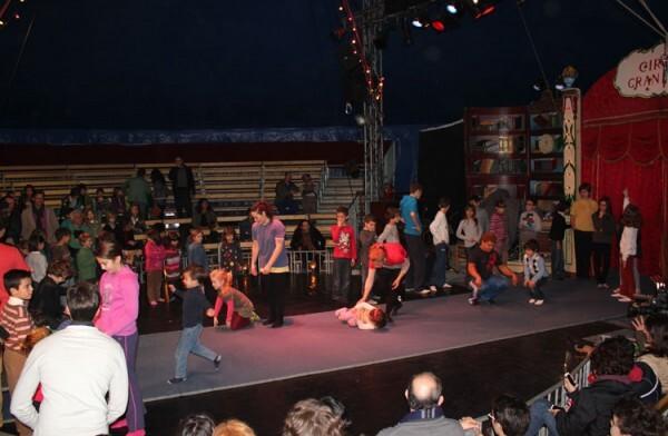El Circo Gran Fele, junto al Palau de les Arts Reina Sofia, diciembre de 2012