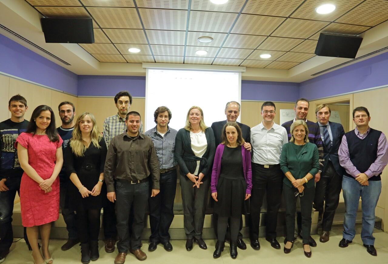 Los jóvenes colegiados asistentes a la conferencia/colegio ingenieros