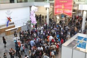 Miles de personas han acudido hoy domingo a la feria de los grandes y pequeños/josep vicent zaragoza