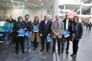 Responsables políticos, de Expojove y de entidades relacionadas con la Infancia en Expojove/josep v. zaragoza