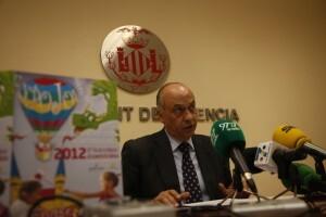 El concejal Lledó durante la presentación de Expojove en la sala de prensa del ayuntamiento/pepe sapena