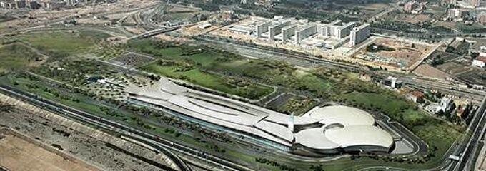 Vista general de la zona del futuro complejo comercial en Malilla/oceanic