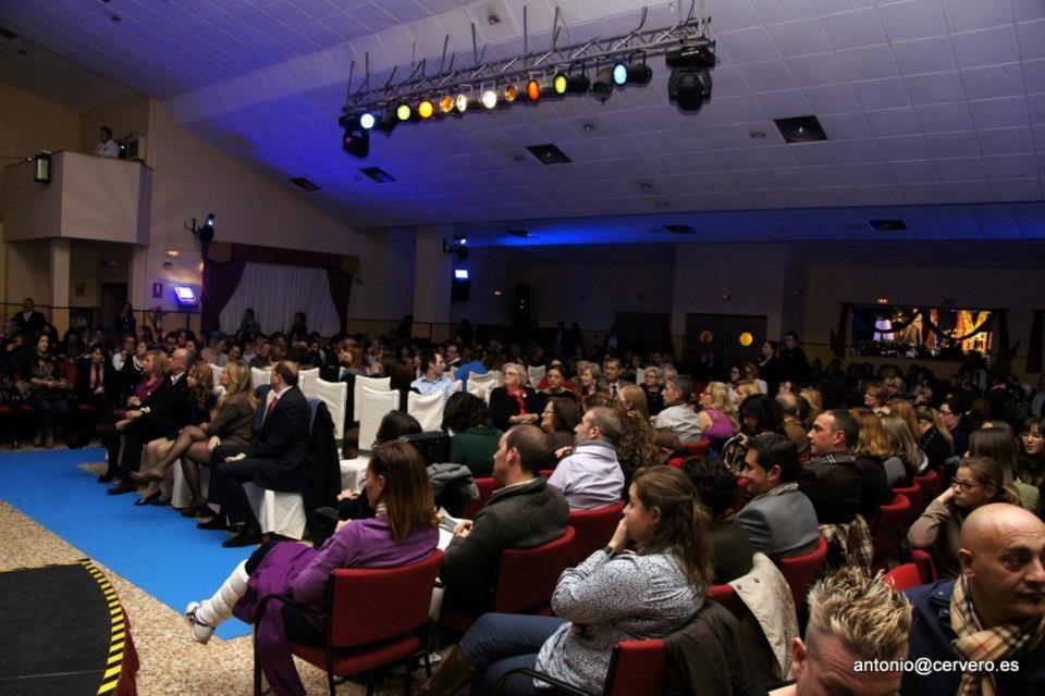 Vista general del salón de la Ciudad Fallera en el acto que organizó Llamalo Equix/Antonio Cervero
