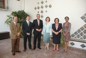 Alejandro Noguera, segundo por la izquierda, con Fabra y Barberá el día del quinto aniversario del museo/museo