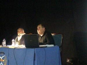 Los conferenciantes durante un momento de la primera de las dos charlas/vlcciudad