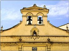 Fachada de Santa Lucia cuyas campanas se han restaurado