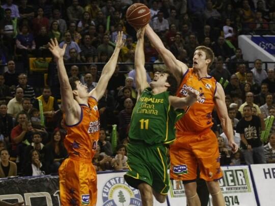 El Valencia Basket se pone segundo en la liga de la ACB/Valencia Basket