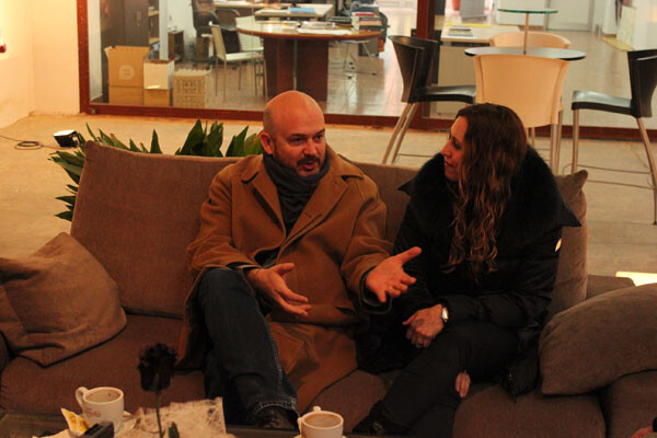 Nacho Mañó, ante la atenta mirada de Gisela Renes, en Obrapropia con VLC Ciudad