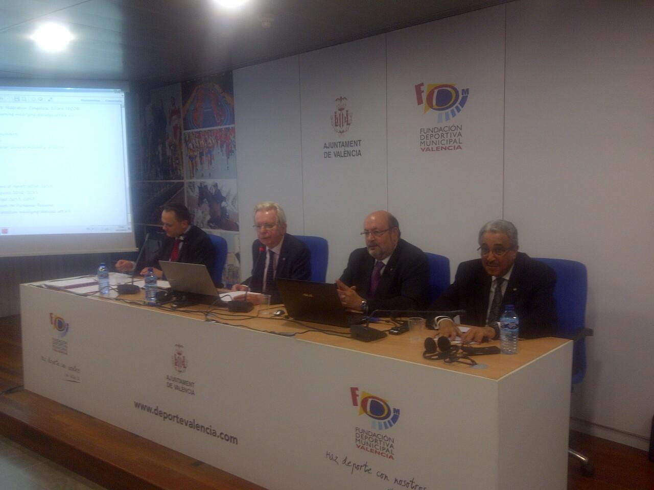 Directiva de la Asamblea Mundial de Billar con el valenciano Requena en la mesa/vlcciudad