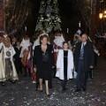 Los Reyes Magos en la plaza del Ayuntamiento después de honrar al Niño Jesús con la alcaldesa, la fallera mayor infantil y el edil de Fiestas/pepe sapena