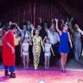 Fofito y Mónica Aragón con toda la compañía del Circ de Nadal al terminar el espectáculo/Isaac Ferrera