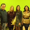 Parte del equipo de VLC Ciudad con Begoña Jiménez en la redacción