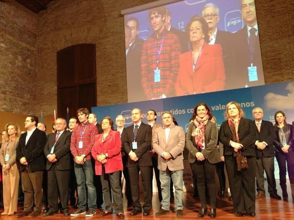 Los miembros de la nueva ejecutiva y dirigents del PP al terminar el congreso/pp