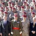 Alberto Fabra recibió a los soldados recién llegados de Kabul en la Alameda