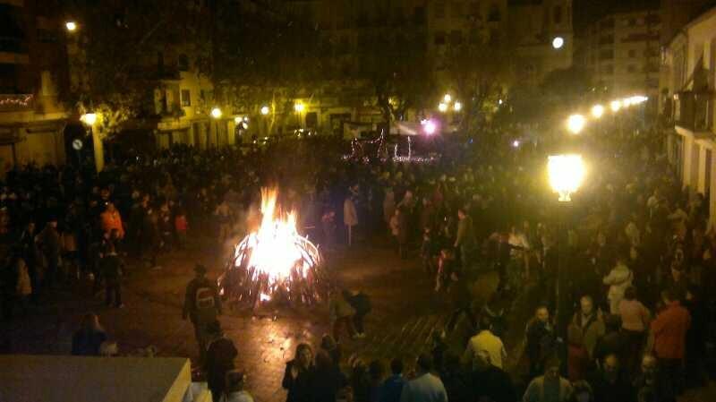 ¨Cremਠde la hoguera dedicada a Lorca en la plaza de Patraix/aavv patraix