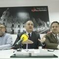 Joan Calabuig presenta los premios junto con Ramón Vilar y otro dirigente/gms