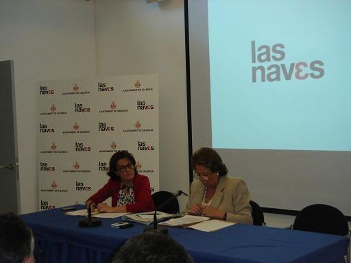La alcaldesa Barberá con la edil de Empleo que mantiene bajo su gestión Las Naves y la Fundación VEO/ayto valencia