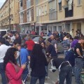 Un momento del concurso de paellas en la calle San Rafael delante del casal de la falla/vlcciudad