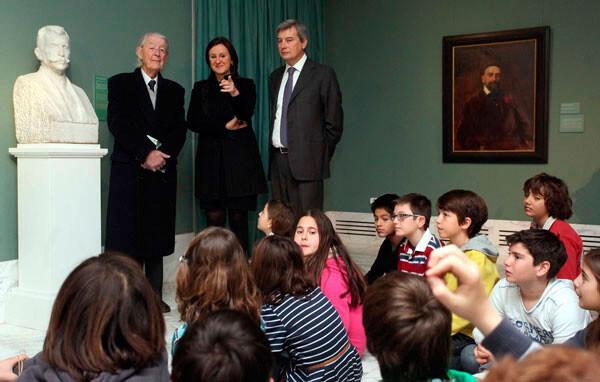 La consellera Catalá en un encuentro con niños del Museo San Pío V