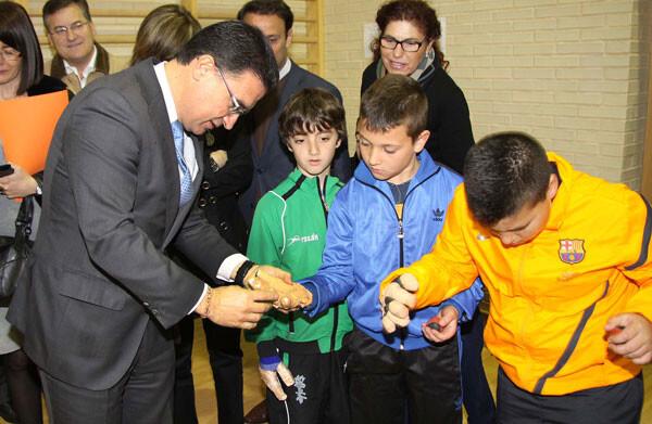 Serafín Castellano en la presentación del Programa Pilota a l'Escola