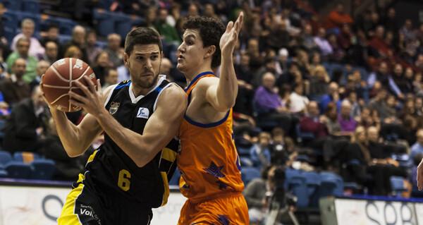 Los taronja quieren más en la Liga y han superado la cifra de 100 en La Fonteta/Isaac Ferrera