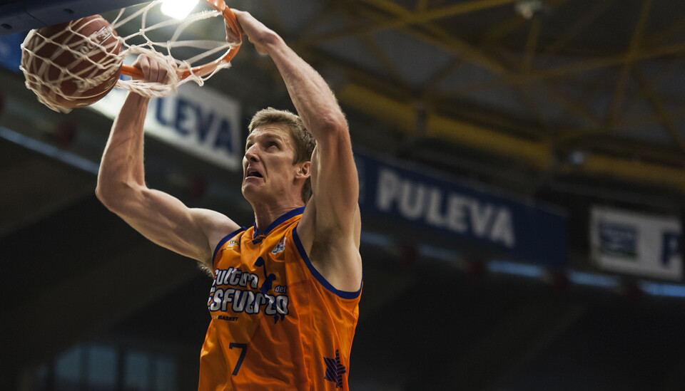 El Valencia Basket se desquitó de sus derrotas y coge aire en la liga tras su gran victoria en Europa/Isaac Ferrera
